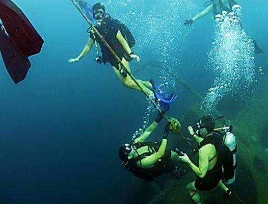 EOD Underwater - US Navy photo